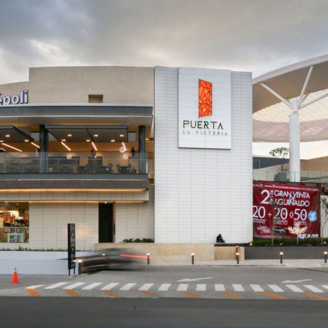 Plaza Puerta la Victoria Querétaro